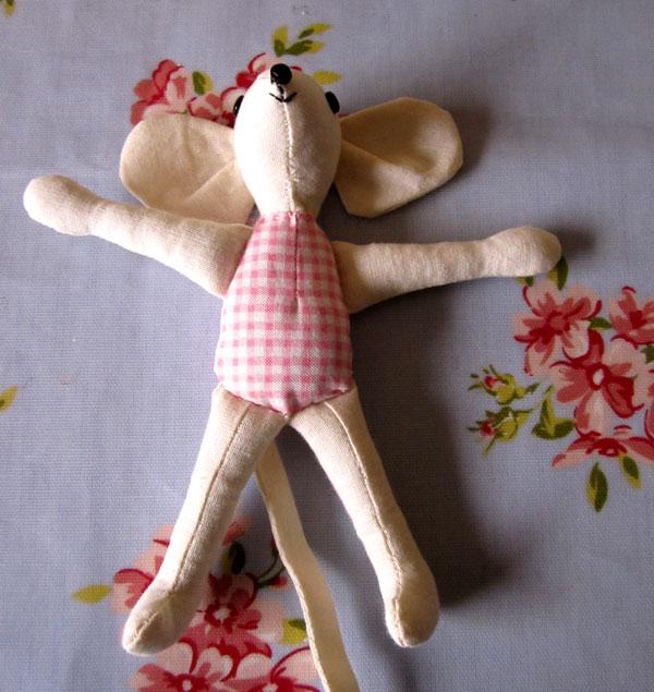 Mollie Makes Mouse Bed Tutorial   Angel Eden Blog
