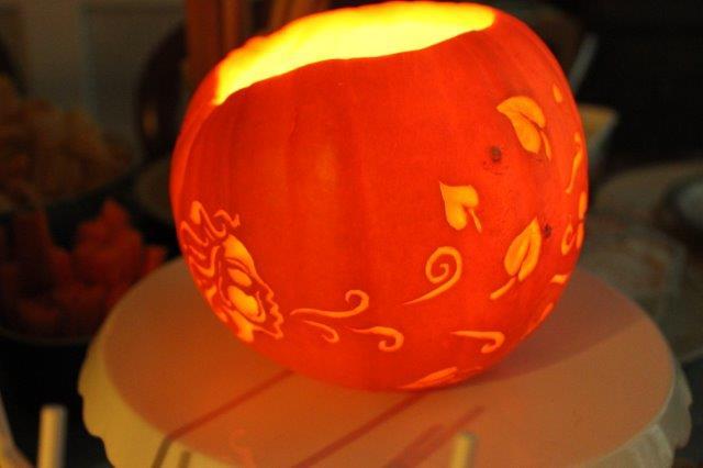 Wind leaves pumpkin