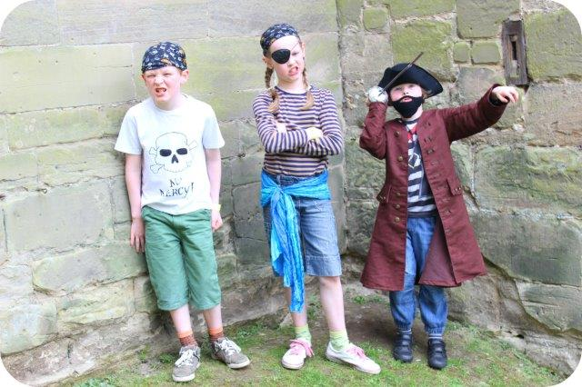 piratesatwarwickcastle