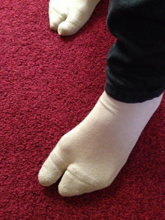 Sew Simple Tabi Socks with this Quick and Easy Way to Make Toe Socks